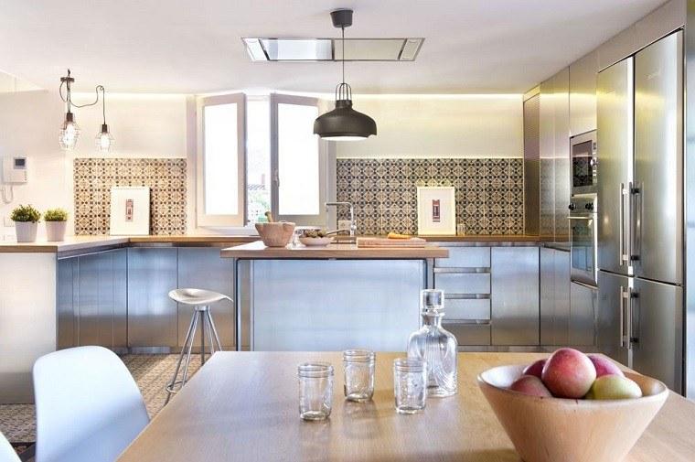 cocina acero azulejos ceramica tradicional