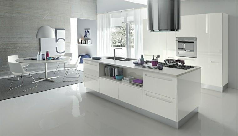 cocina amplia estante blanco brillante