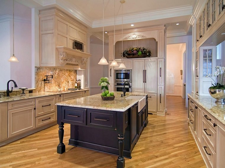 cocina amplia muebles vintage isla azul ideas