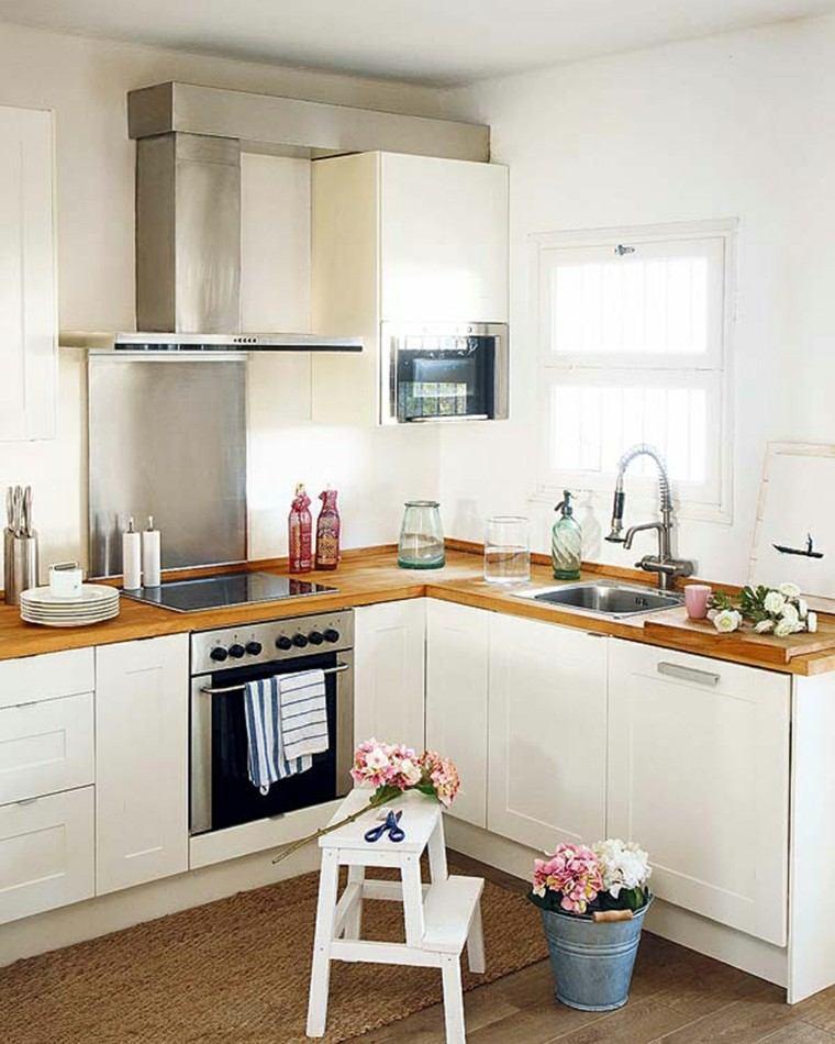 cocina pequeña blanca madera