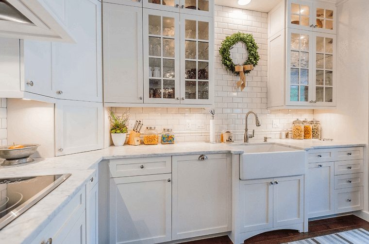 cocinas blancas losas pared muebles madera moderna