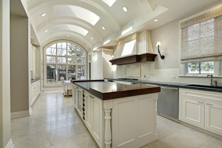 cocinas blancas muebles madera isla estrecha larga moderna