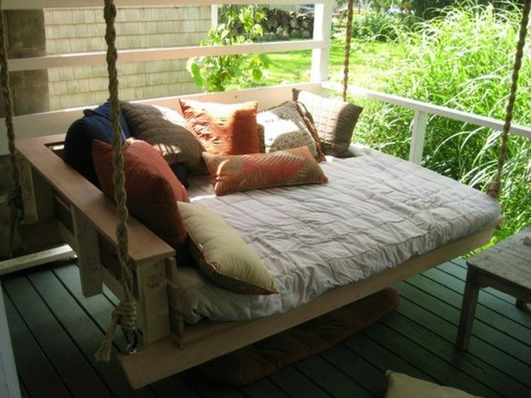 colgante cama cuerdas terraza palets patio