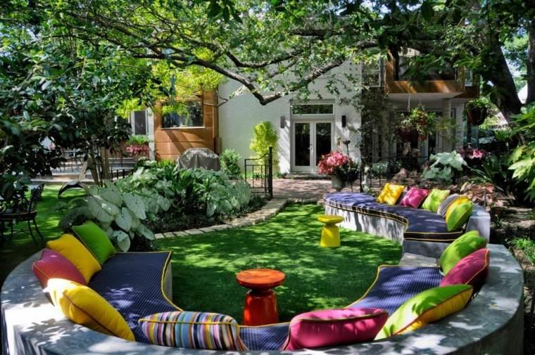 colorido patio decoracion fiesta cojines