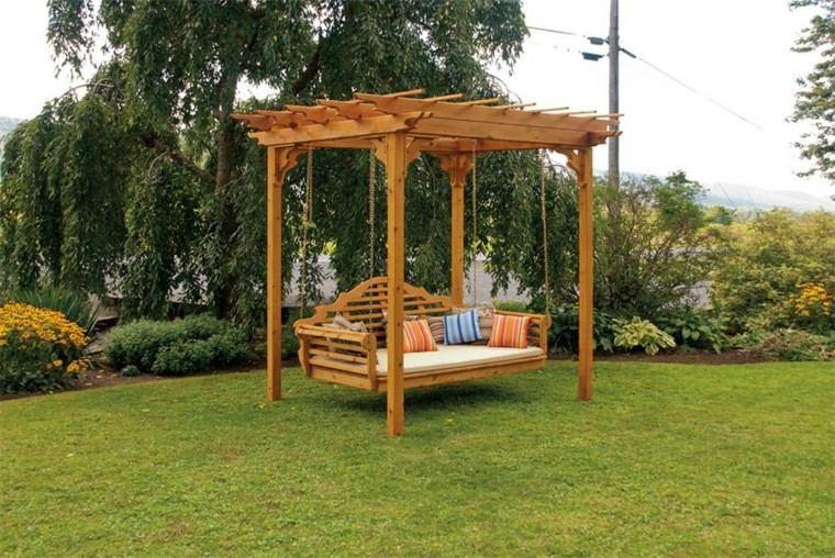 Pergolas de madera para el jard n m s de cincuenta ideas - Columpio madera jardin ...
