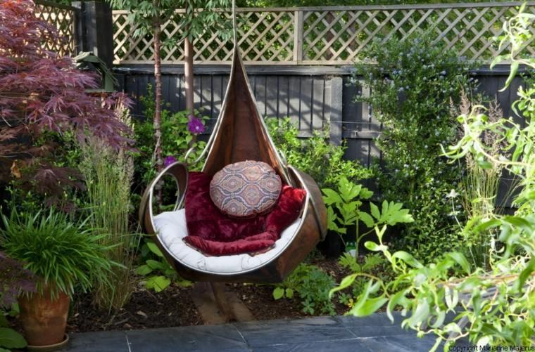 columpio colgante una plaza jardin