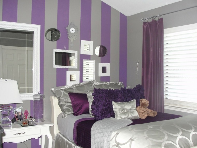 combinacion purpura gris paredes dormitorio rayas espejos