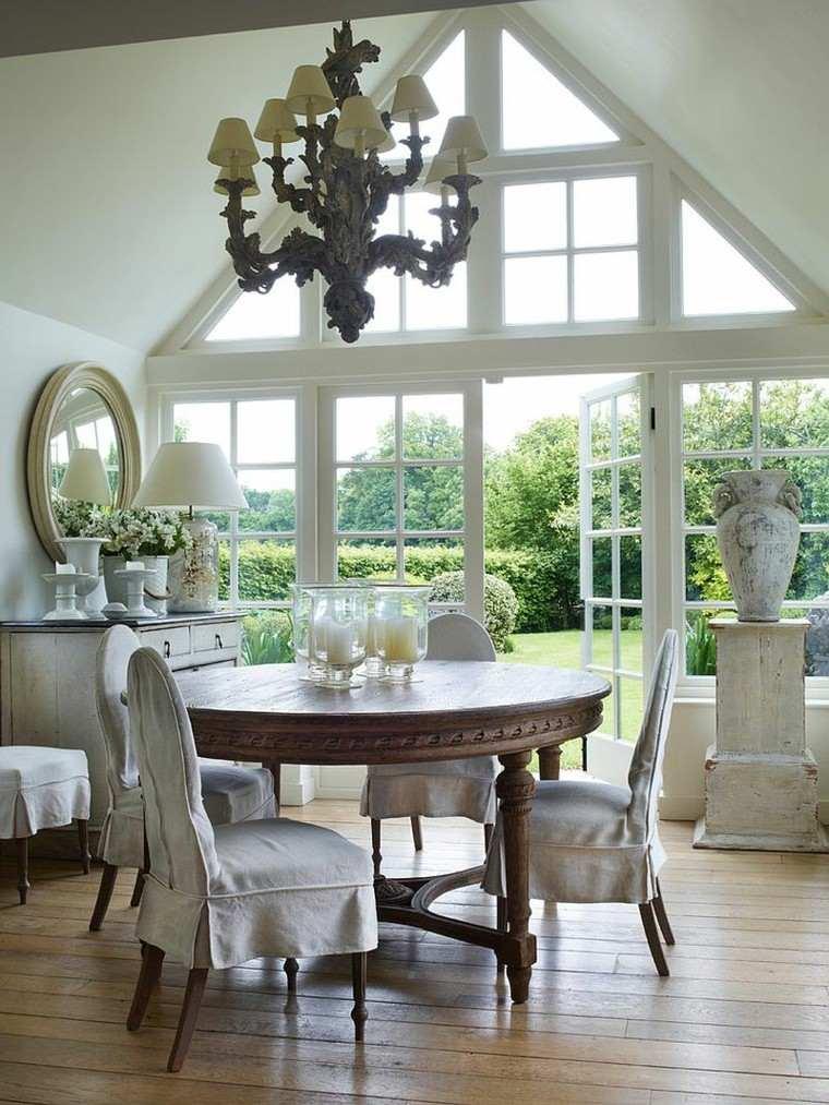 comedor casual ventanas puertas madera