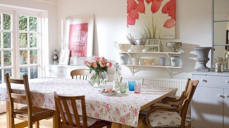 comedor estilo campestre mantel motivos florales Iideas
