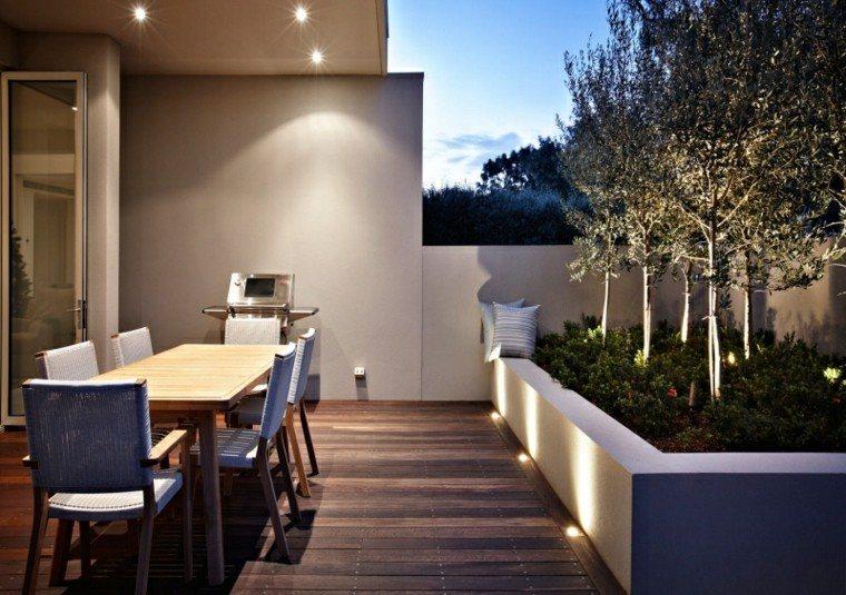 comedor exterior madera suelo jardinera