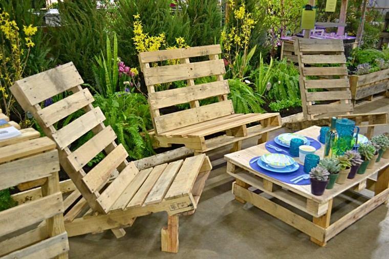 Muebles hechos con palets de madera cincuenta ideas - Muebles de palets para jardin ...