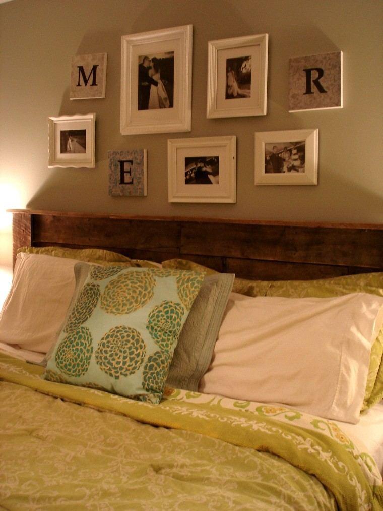 cuadros cama decoracion cojines pared