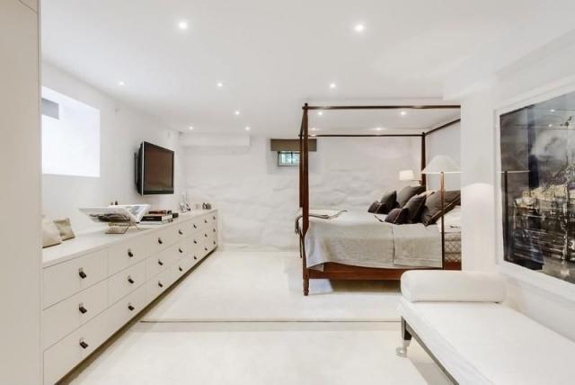 cuarto color blanco cama dosel