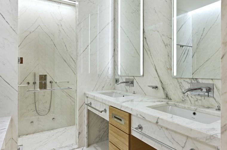 Ba o blanco con madera for Colores de marmol para banos