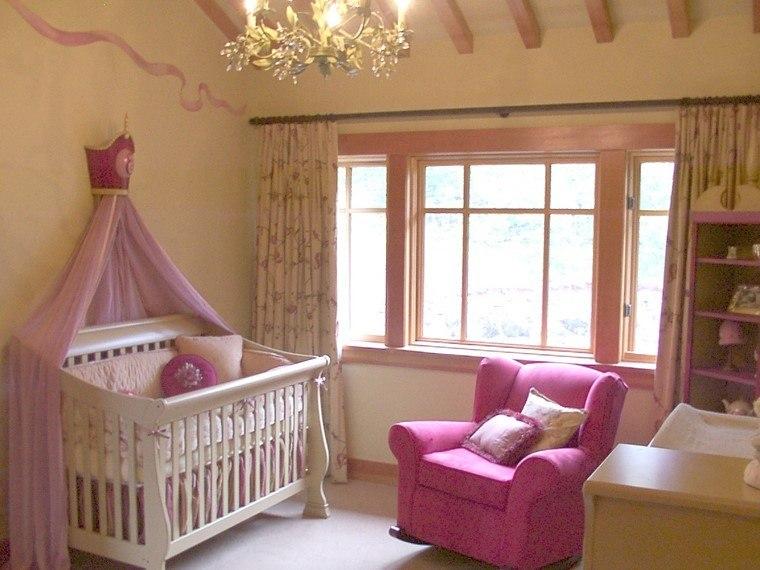 decoracin cunas bebe dosel pared amarillo butaca rosa ideas