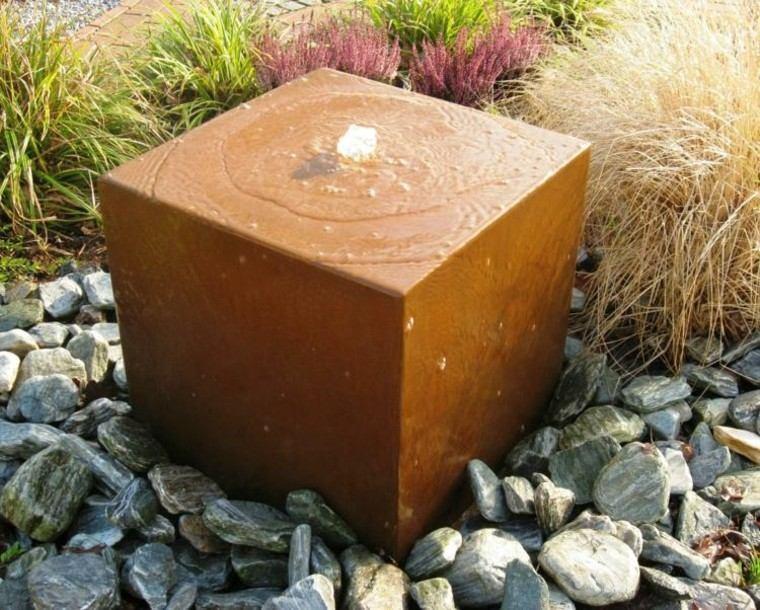 decoracion jardin forma taburete oxidado ideas