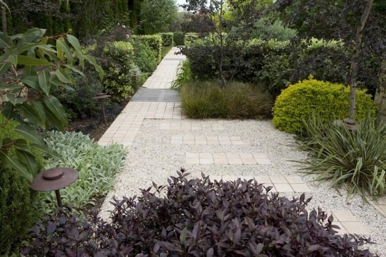 decorar caminos jardin gravilla