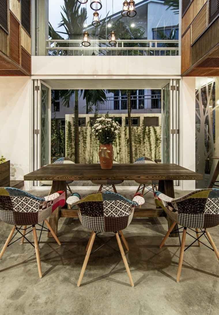 diseño arquitectura sillas lampara terraza