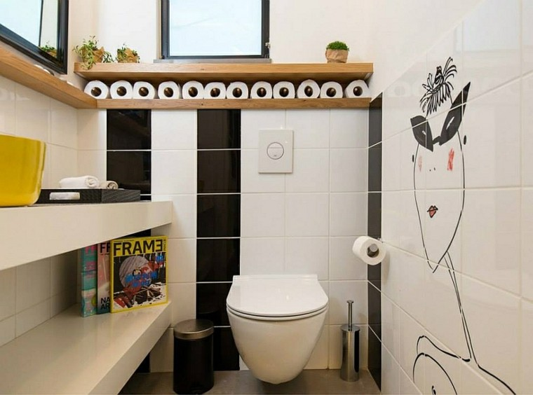 diseño cuarto baño garabatos paredes