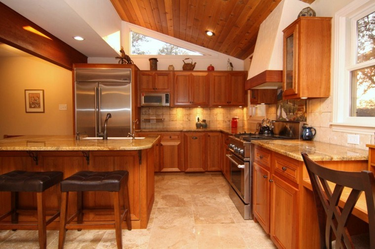 diseño cocina tradicional techo madera