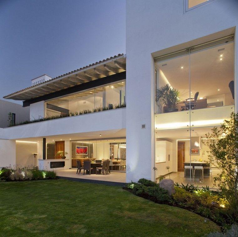 diseño de jardines modernos cesped casa luces