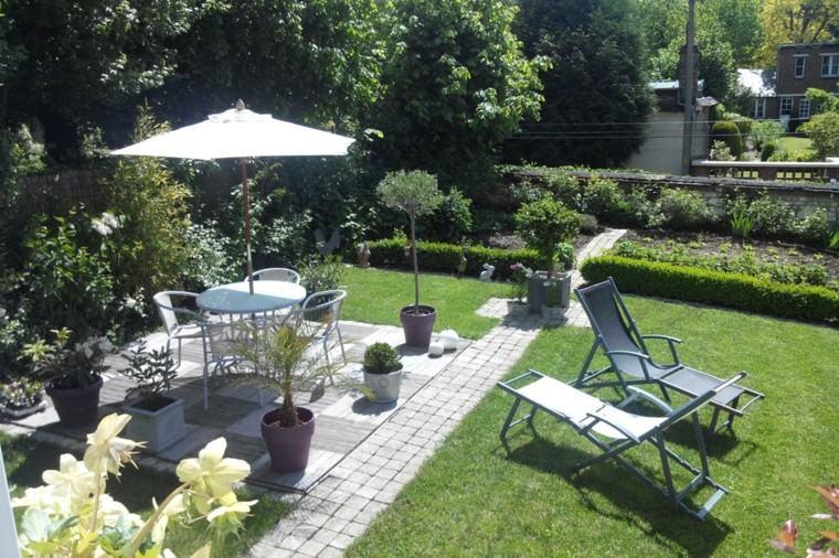 diseño de jardines pequeños muebles comedor