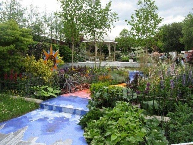 diseño jardin camino colores varios