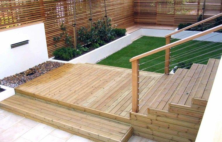diseño de jardines pequeños con escaleras de madera de teca
