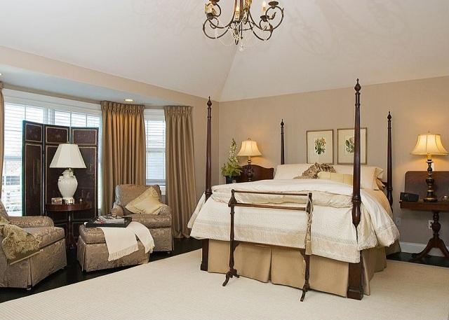 dormitorio estilo clasico lujoso doseles
