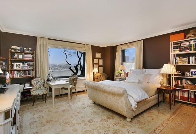 dormitorio clasico paredes marron