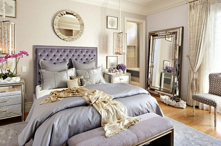 dormitorio colores plata cebecero cama pared blanca espejo