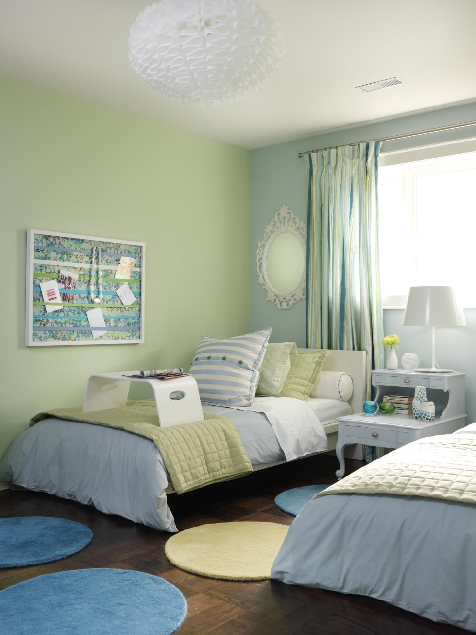 dormitorio dos camas verde azul claro ideas