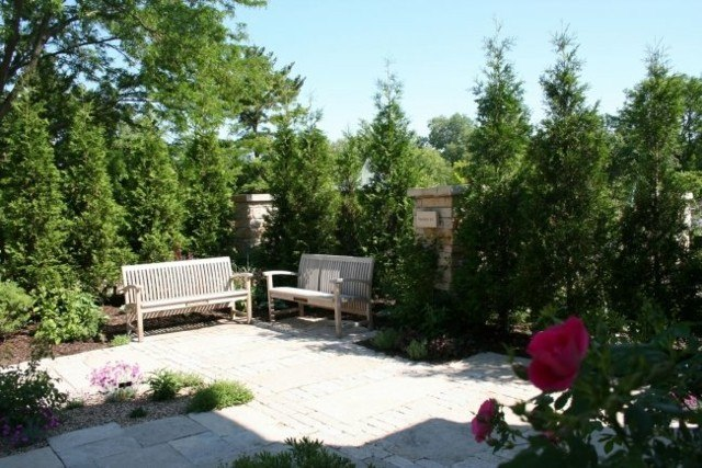 dos bancos madera jardin flor