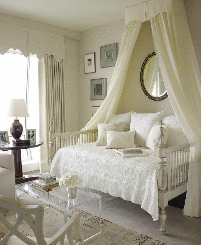 dosel blanco pequeño cama sofa