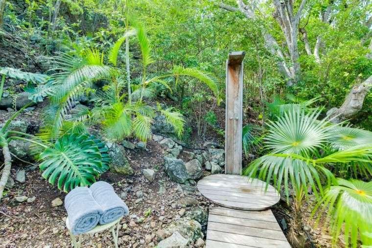 ducha exterior plataforma madera plantas