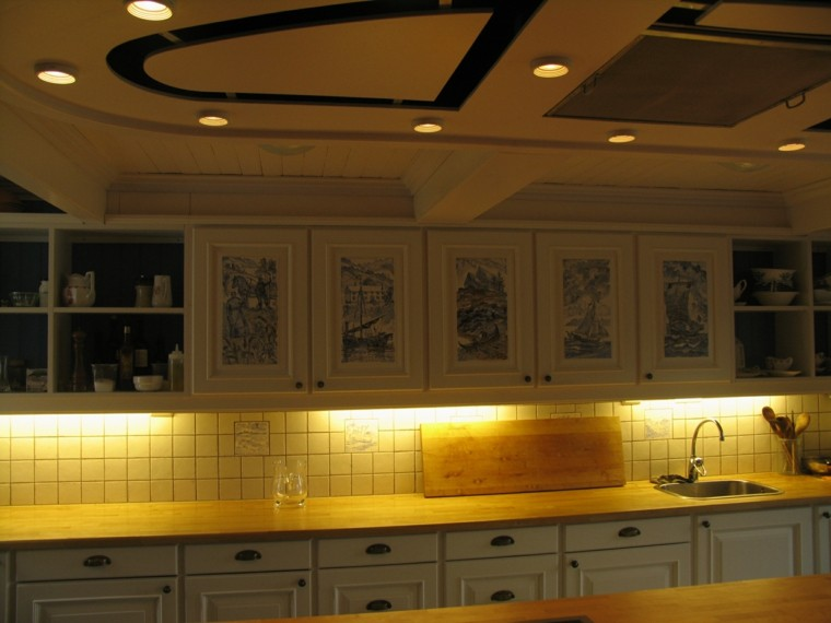 Luces para muebles de cocina latest estante vidrio led incorporado barra aluminio led muebles - Iluminacion para muebles ...