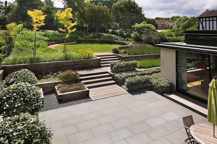 esacalones moderno jardines mesa grava