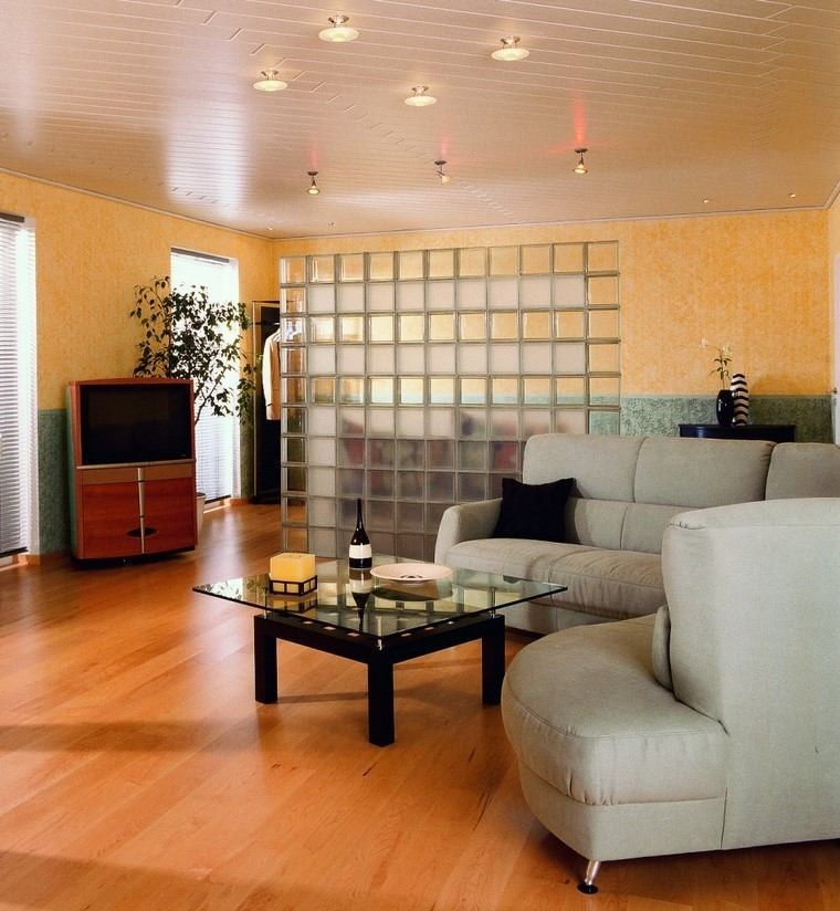 Espacio separado con separadores de ambientes originales - Paredes de salon ...