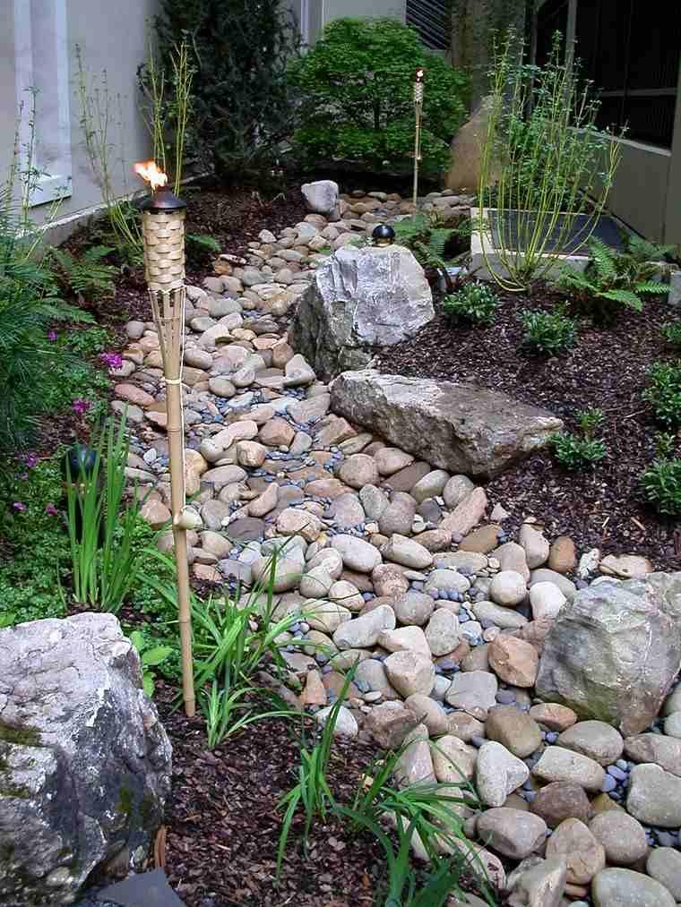 Decoracion japonesa jardin for Jardines de piedras