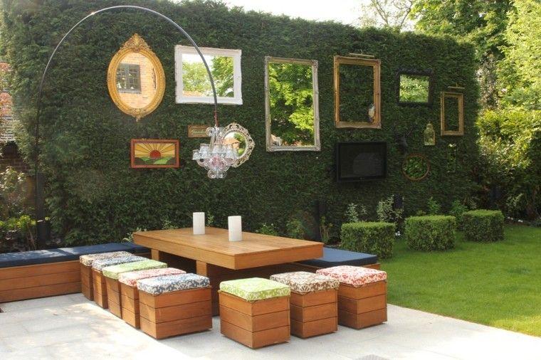 estupendo muro plantas enredaderas espejos