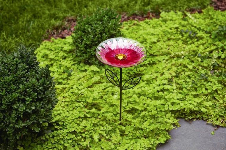 flor margarita fuente cristal agua