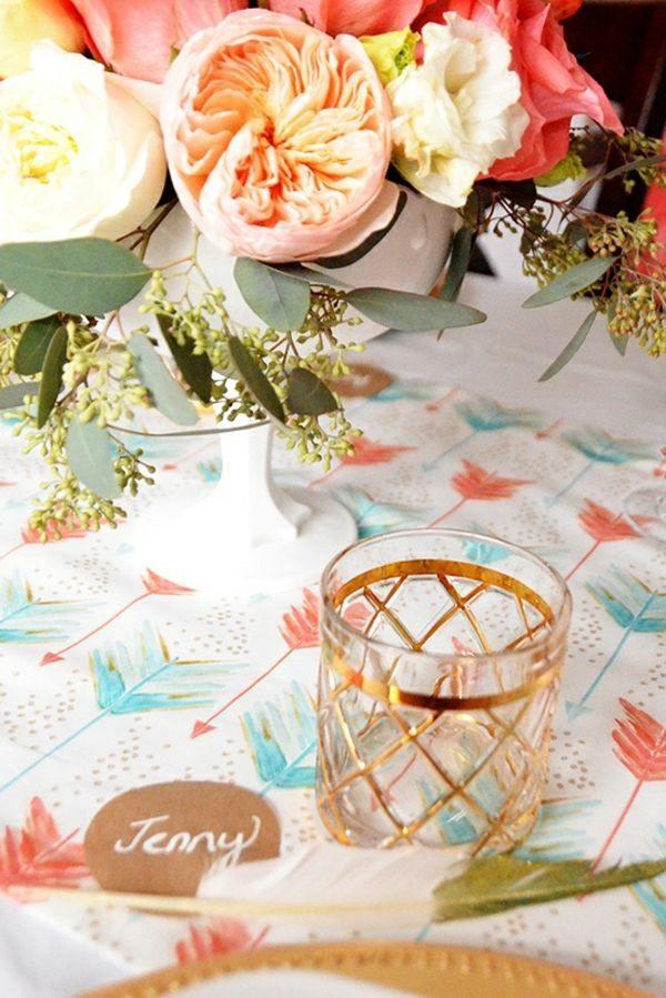 florero mantel colores flechas vaso