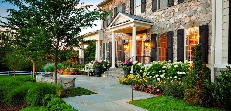 Camino de jard n ideas atractivas piedras losas y baldosas - Casas con jardines bonitos ...