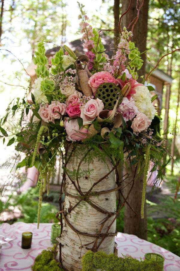 gran jarron tronco arbol rosas