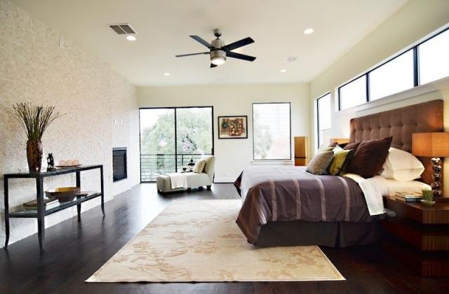 habitacion grande cama doble beige
