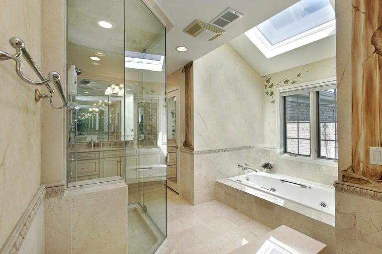 Cuartos de baño con ducha y bañera muy singulares