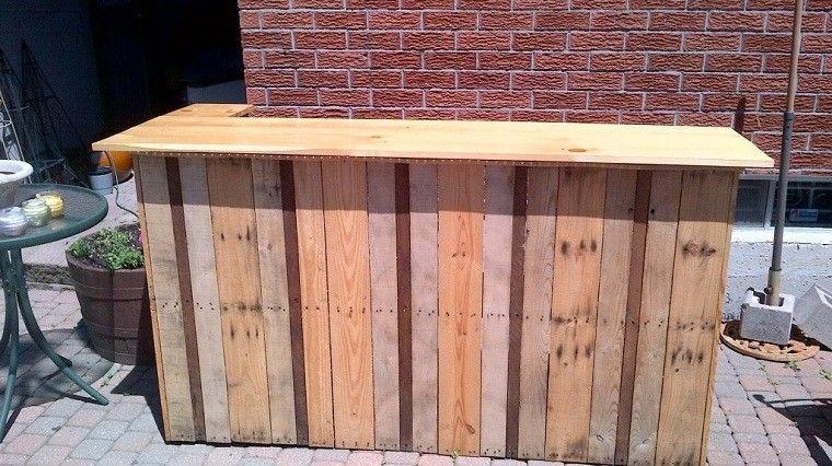 Ideas con palets 75 creaciones para personalizar tu espacio for Bar movil de madera