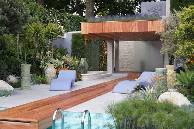 ideas tumbona jardin jarrones madera piscinas