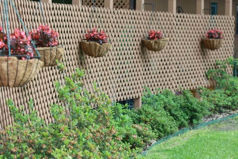 Vallas de madera y vallas met licas para el jard n for Macetas originales para el jardin