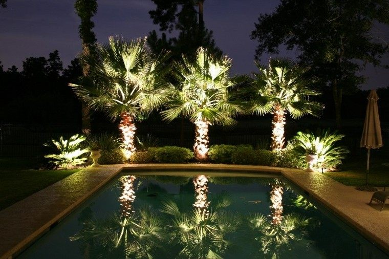 Iluminacion exterior el jard n que no conoc as for Luces exterior jardin